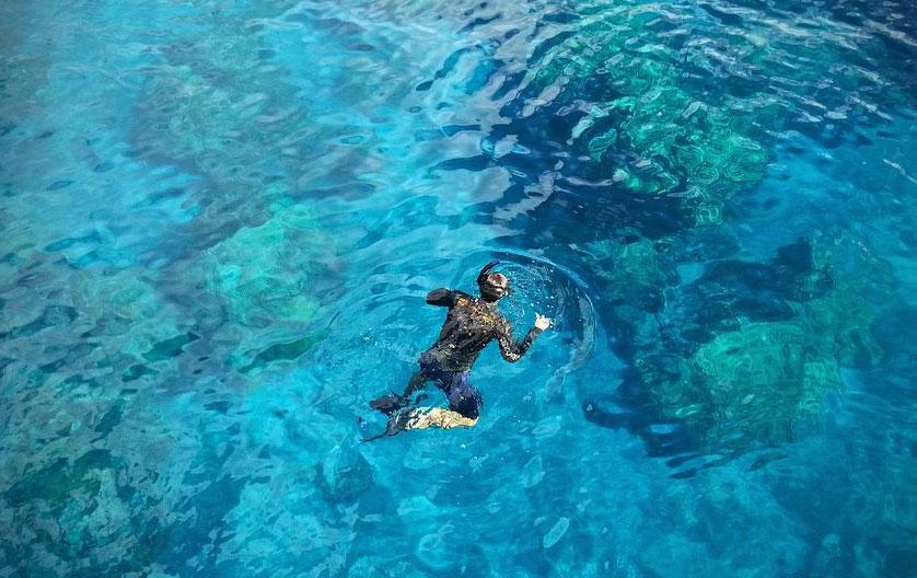 snorkeling a scopello